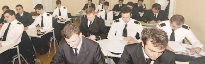 Avviate le selezioni per formare Allievi Ufficiali di Coperta e di Macchina