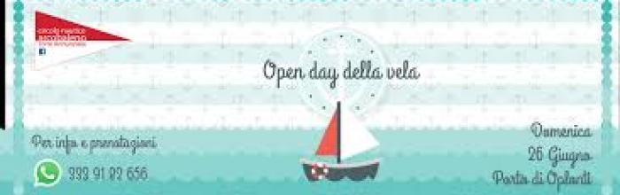 """scritta """"open day""""sopra l'immagine di una barchetta"""
