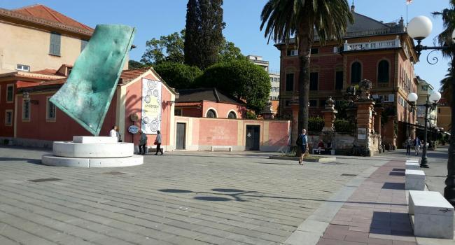 Foto particolare Piazza Bo a Sestri Levante