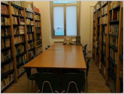 Immagine interno biblioteca
