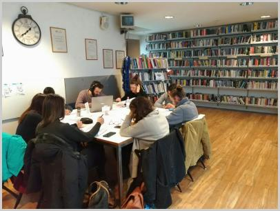 Immagine interno biblioteca1