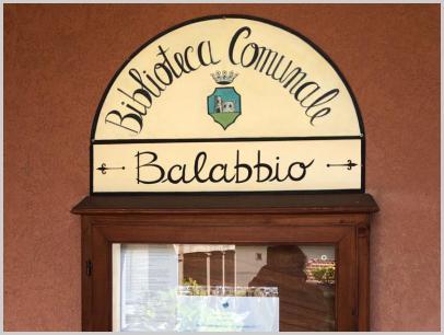 Bacheca informativa della Biblioteca comunale di Savignone