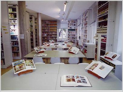 Sala lettura al primo piano