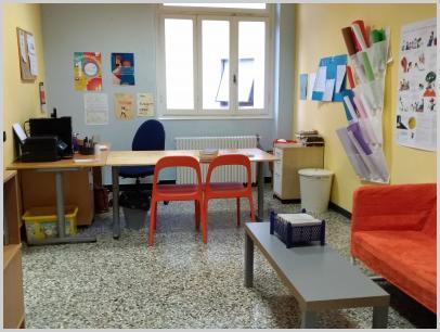 Interno biblioteca - desk