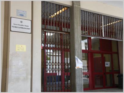 Immagine relativa a Liceo L. Lanfranconi -entrata