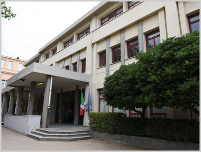 Immagine relativa a Liceo L. Lanfranconi -entrata 2