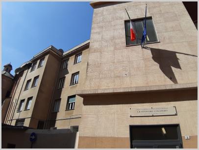 Immagine relativa al Liceo Colombo -entrata