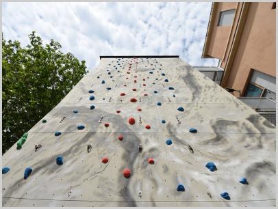 Immagine relativa a Liceo L. Lanfranconi - parete arrampicata 3